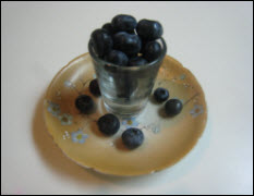 moms_dish_blueberries