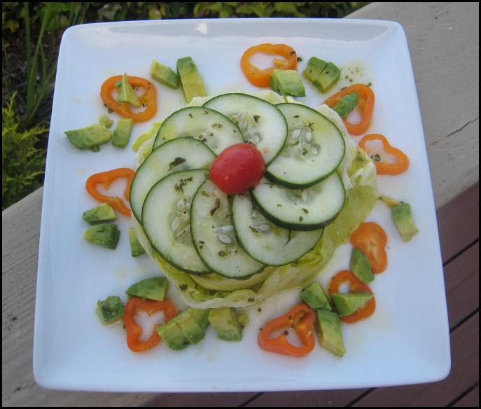 Cucumber salad decoration images for Decoration salade
